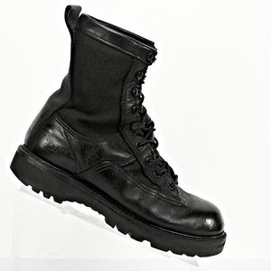 BATES Men's Leather Force Gore-Tex Tactical Boots